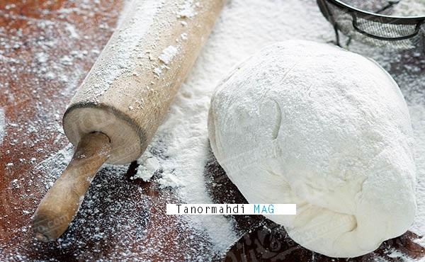 آموزش مخلوط کردن خمیر نان